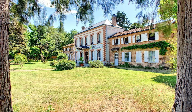 Hôtel avec jardin et salle de réception Salbris