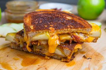 Caramel Apple Grilled Cheese Sandwich (with Bacon) Recipe