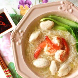 PRAWN AND FISHBALL RICE VERMICELLI SOUP