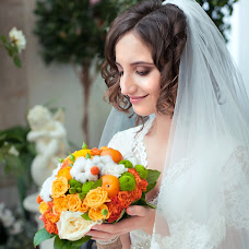 Wedding photographer Ella Chernyakh (EllaChernyah). Photo of 24.10.2014
