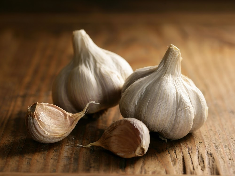 how-to-improve-immune-system_garlic
