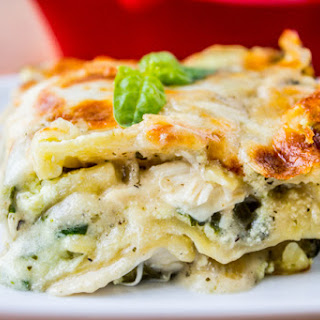 White Lasagna with Chicken and Pesto