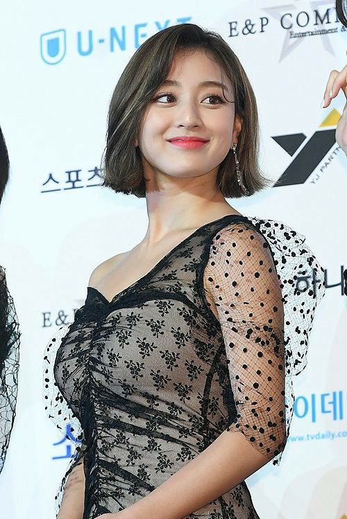 jihyo black 6