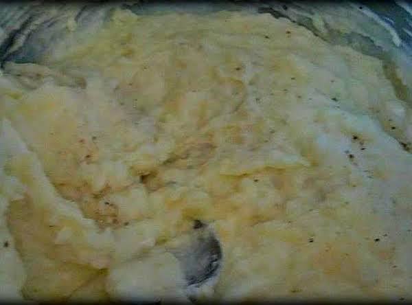 Creamy Sour Cream Garlic Mashed Potatoes Recipe