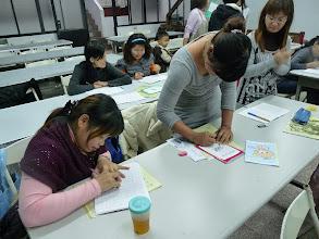 Photo: 20111205頭屋行動教室-外配識字班002