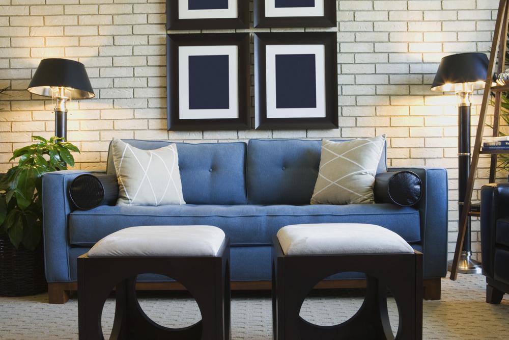 Trang trí tường thoáng mát cho phòng khách hiện đại