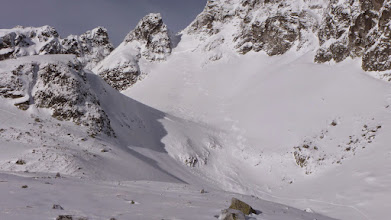 Photo: Someone else skied on top of avalanche debris