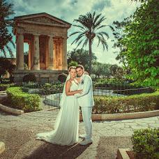 Wedding photographer Evgeniy Gordeev (Gordeew). Photo of 21.10.2013