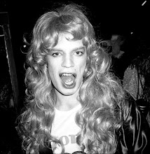 Photo: Mick Jagger au bal travesti donné par Kenzo au Palace, 1977.