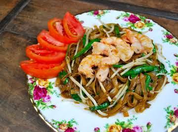 Flat Noodle Shrimp Kueh Teow (pad Thai)