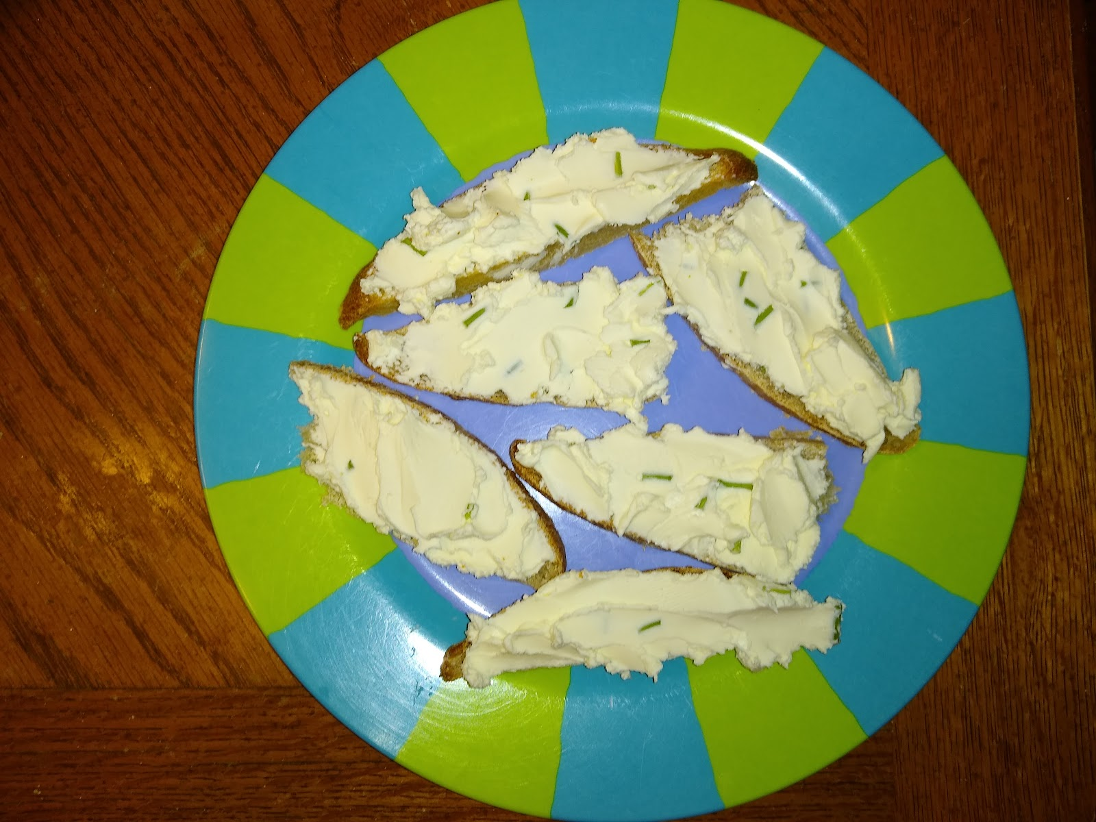 garlic cream cheese on sourdough bread picture