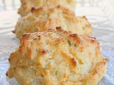 Cheesy Garlic Butter Biscuits