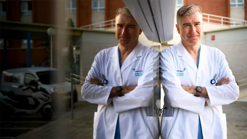 Dr. Francisco Giménez Sánchez, coordinador del área de pediatría de Vithas Almería y experto en vacunas.