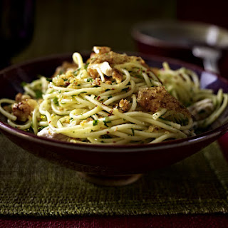 Spaghetti with Chicken and Breadcrumbs