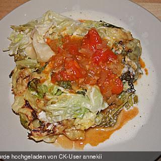 Wirsing - Lasagne mit Ziegenkäse auf Tomatensauce