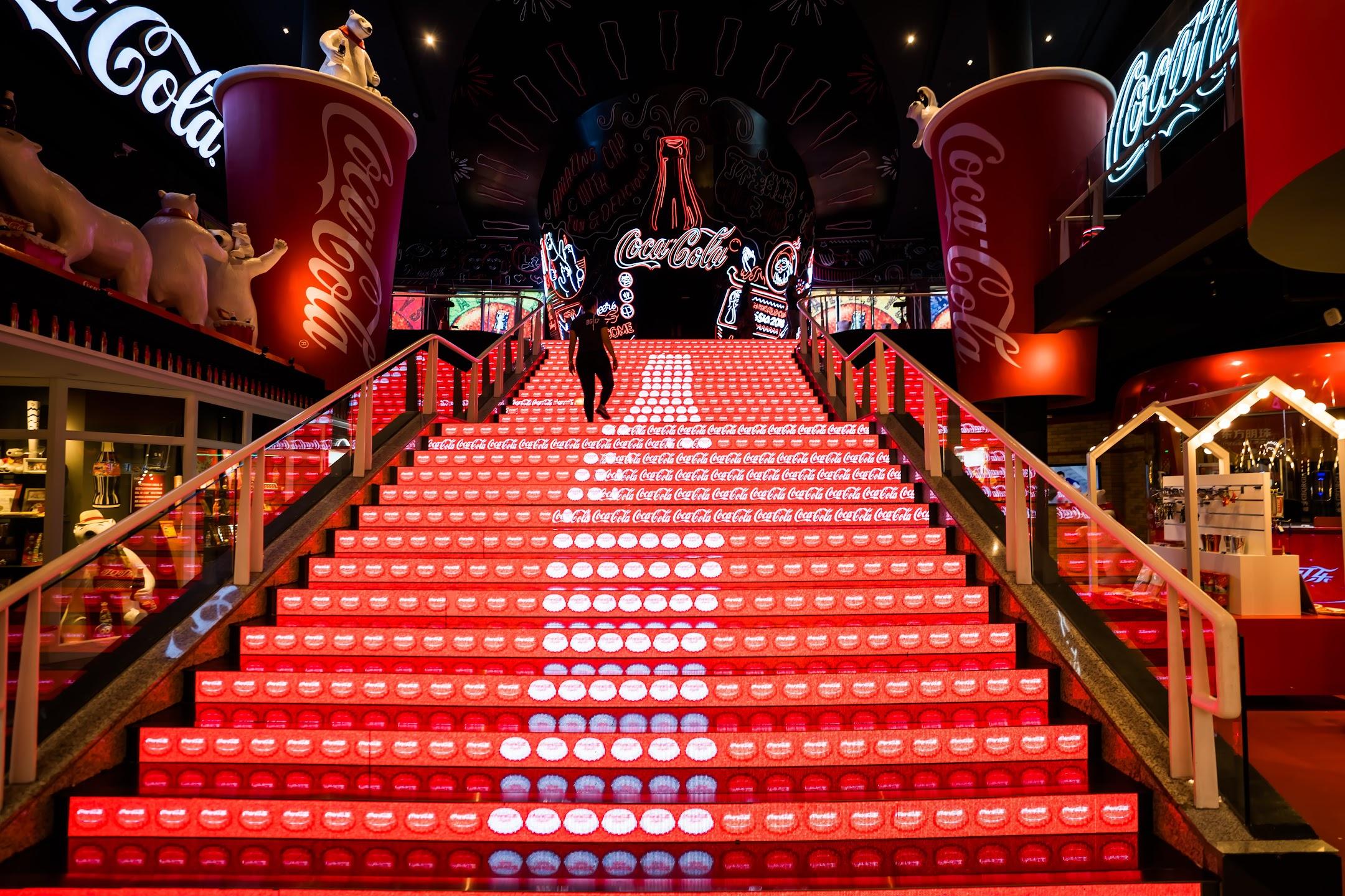Shanghai Oriental Pearl Tower Coca-Cola2