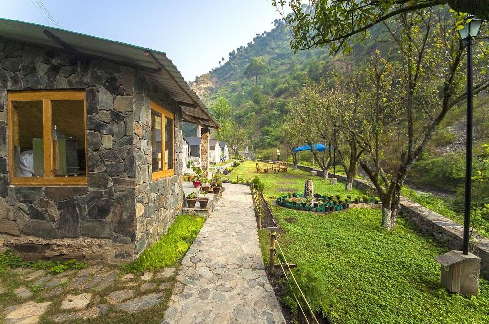 top-monsoon-getaways-delhi-Shoghi_-_Himachal_Pradesh