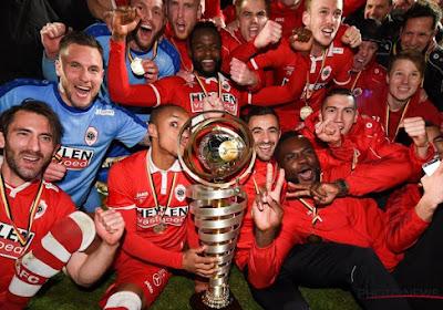"""Antwerp zet jeugdspelers aan de deur: """"Alle geld gaat naar eerste ploeg"""" vs """"De beslissing kwam er sowieso"""""""
