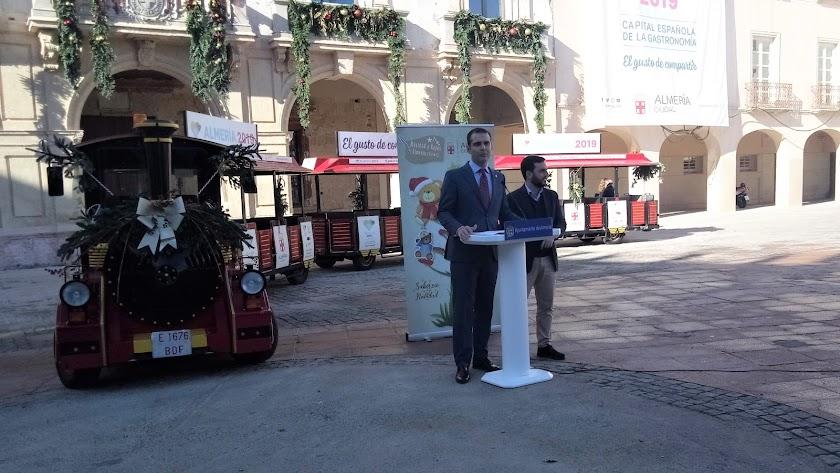 Presentación de las actividades navideñas en Almería, esta mañana en la Plaza Vieja.