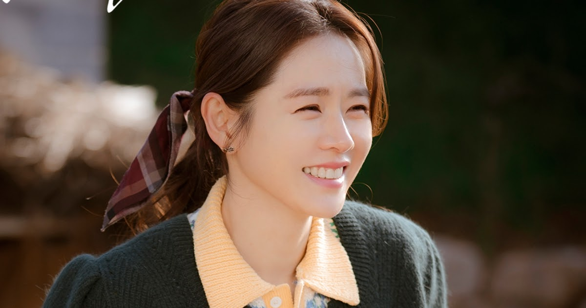 """Actress Son Ye Jin's Stylists Reveal Shocking Truth Behind Her """"Crash  Landing On You"""" Look - Koreaboo"""