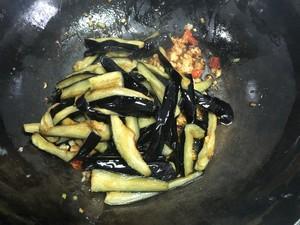 开胃下饭菜!巨简单的家常鱼香茄子煲的做法 步骤7