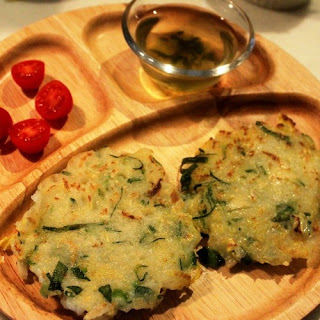 Okonomiyaki-Style Rice Flour & Chinese Cabbage Patties for Toddlers