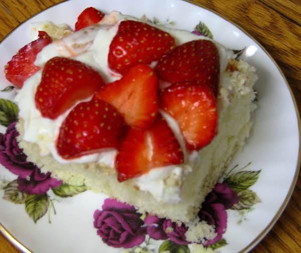 Nonna Rosa's Cream Cake With Fresh Strawberries Recipe