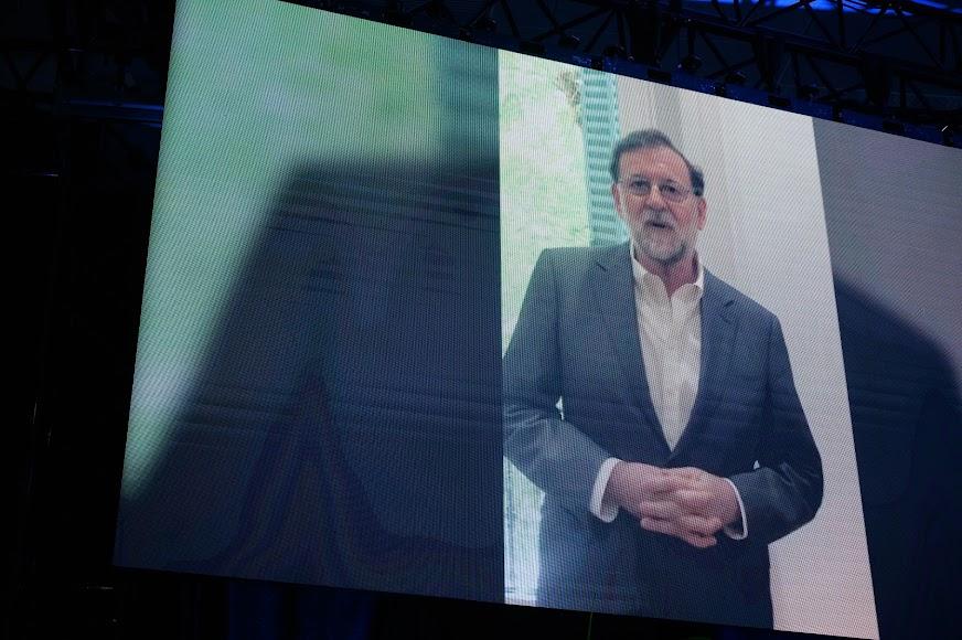 Mariano Rajoy dedica unas palabras a Amar.