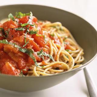 Fresh Tomato Sauce with Spaghetti