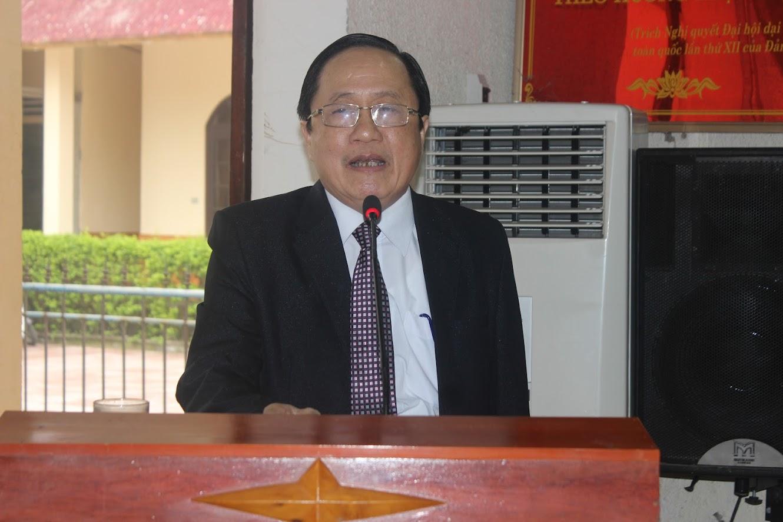 Ông Ngô Phú Hàn, Chủ tịch UBND huyện phát biểu khai mạc Hội nghị