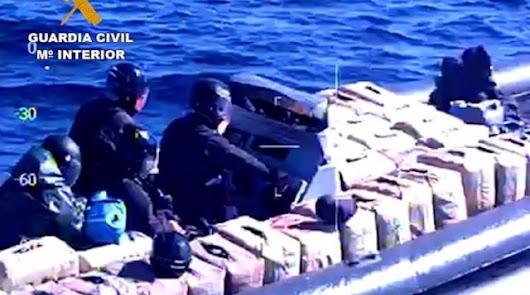 Hallan en Adra más de 3.000 kilos de hachís de una peligrosa banda de narcos