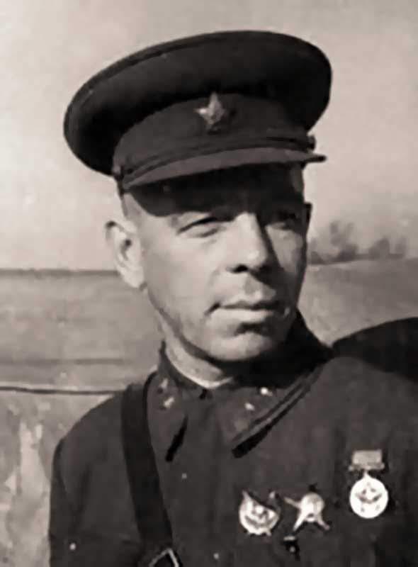Куликов П.Н. - член военсовета 20А, дивизионный комиссар