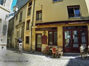Photo: Le quartier des Antiquaires à Versailles - e-guide balade à vélo dans Versailles et son parc par veloiledefrance.com
