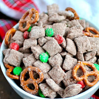 Chocolate-Cinnamon Reindeer Chow Treat