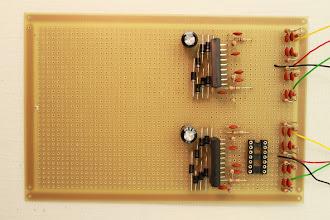 Photo: Lado dos componentes 25/12/11 - Eu terei que retornar à rua St. Ifigênia para comprar os resistores de 82K que não vieram e comprar também os RLs que calculei somente quando tinha os motores em mãos.