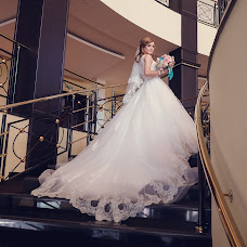 Wedding photographer Aleksandr Tur (alexander755610). Photo of 07.10.2016