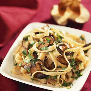 Creamy Alfredo Pasta with Mushrooms