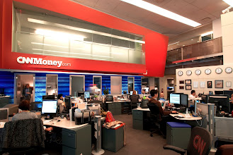 Photo: Around the CNNMoney newsroom...