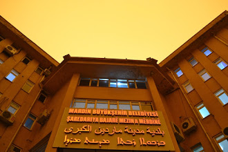 Photo: In front of the mayor's office in Mardin