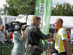 Photo: Media (SVT - television) interviews Jan Strandberg. Photo: Per Olsson