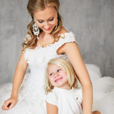 Wedding photographer Anna Ekomasova (ekomasova). Photo of 11.03.2014