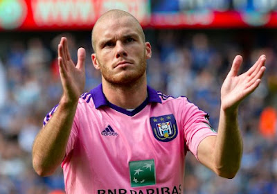 "Nuytinck: ""Chouette de pouvoir jouer contre Sneijder"""