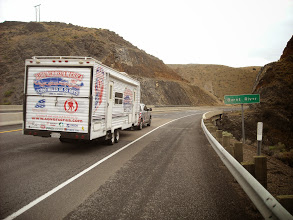 Photo: day 8 Baker OR to Fruitland ID Dave are support on the road