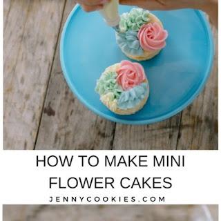Mini Flower Cakes.