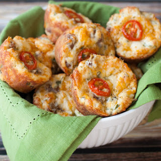 Breakfast Muffins With Sausage, Cheddar & Green Onions