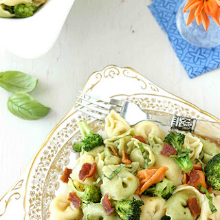Tortellini Pasta Salad with Bacon, Broccoli & Basil