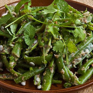 Steamed Green Beans With Sawtooth Herb and Either Ginger Or Sesame Seeds -Soop Mak Tua Nyaow