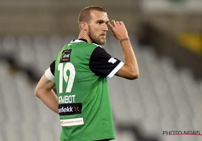 Benjamin Lambot keek vanop de bank toe tegen zijn ex-club Antwerp