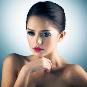 The Lovely DJ Yasmin by Muhammad Irwansyah - People Fashion ( dj fahria yasmin fashion beuaty studio women portrait )