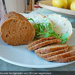 Seitan - Wurst, vegane Bratwurst.